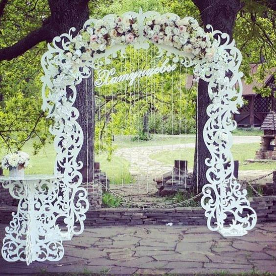 резка на свадебной арке
